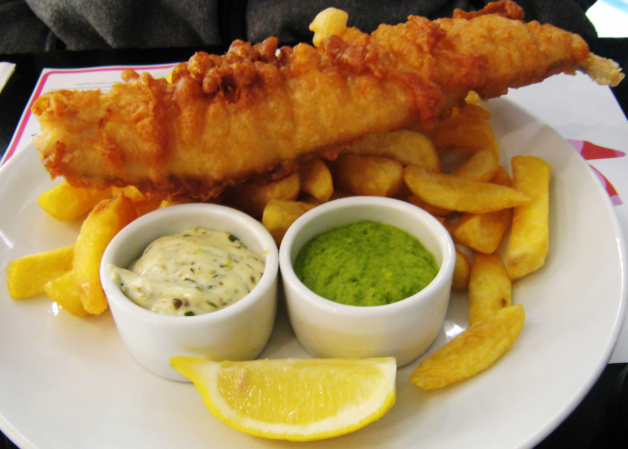 ... fish 'n chips with mushy peas, lemon and splodge of tartare sauce